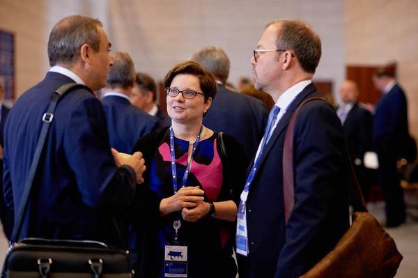 Аннетт фивег (дойче банк): «российские компании возвращаются на международные рынки капитала»