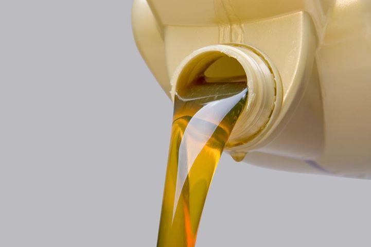Большой расход масла в автомобиле и с чем это связано