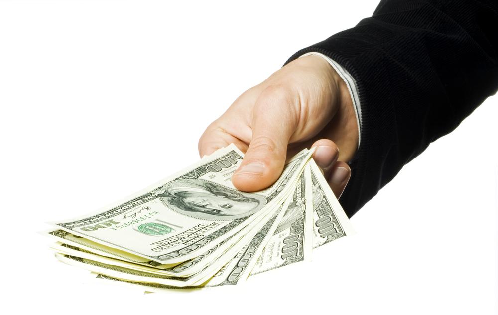 Деньги на дом в кредит: можно ли получить деньги, не выходя из дома