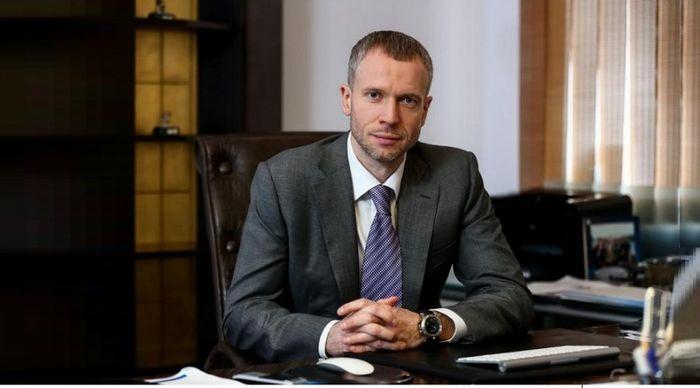 Михаил поляков: «если мы на 97% корпоративный банк, распыляться на розницу смысла нет»