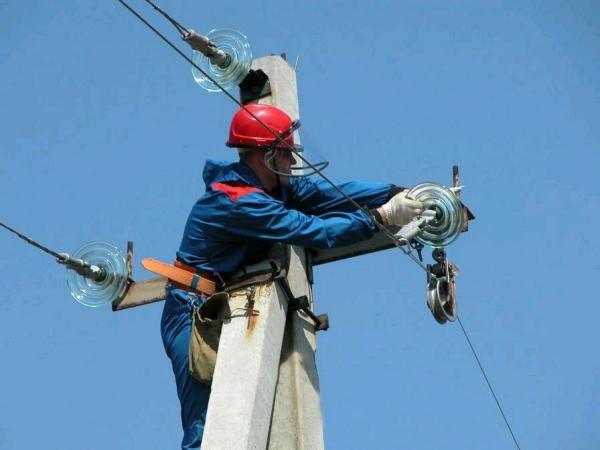 Отключение электроэнергии должникам за неуплату