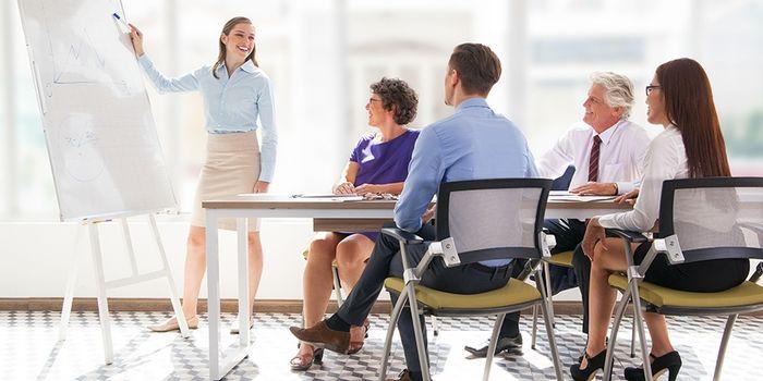 В банк за знаниями: для чего клиенты снова садятся за парту