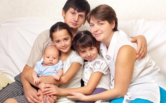 Выплаты и пособия за третьего ребенка (что дают, сколько платят)?
